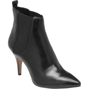 NIB Vince Camuto Onya Black Nappa Leather Boots 9